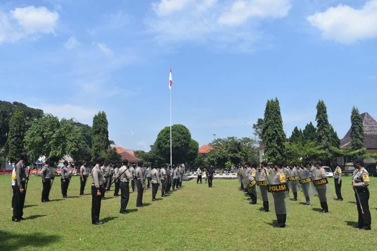 Puluhan Personel Polres Salatiga Bantu Pengamanan Pilkada di Kabupaten Semarang dan Kendal
