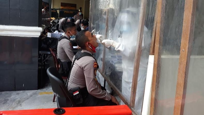 Amankan Pilkada Serentak, 1.234 Personel Polda Sumbar Dites Swab