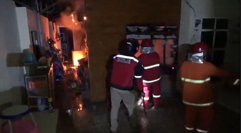 Apes, Rumah yang Baru Selesai Direnovasi di Probolinggo Hangus Terbakar Diduga akibat Korsleting Listrik