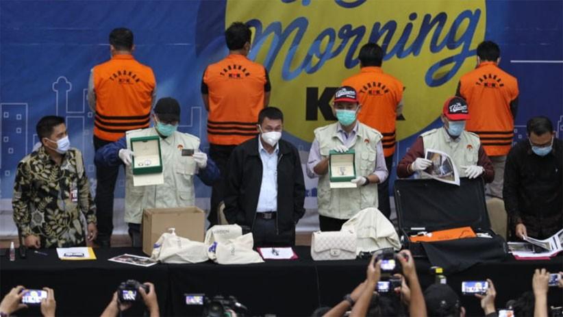 Aliran Dana Seputar Dugaan Suap Benih Lobster, Rp750 Juta untuk Beli Jam Rolex dan Tas LV