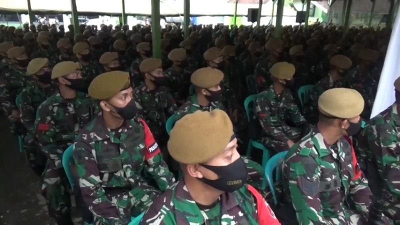 Jaga Situasi Kondusif, 500 Personel TNI Yon Armed 8/105 Jember Diberangkatkan ke Malut