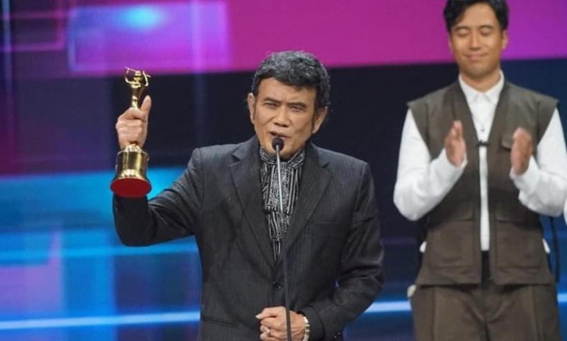 Berkarya Puluhan Tahun di Industri Musik, Rhoma Irama dan Melly Goeslaw Raih Lifetime Achievement