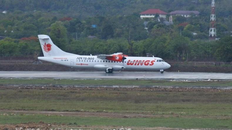 Gunung Ile Ape Erupsi, Penerbangan Pesawat Rute Kupang-Lewoleba Dihentikan