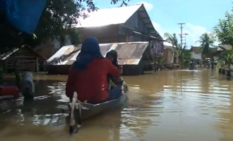 Banjir di Batanghari Jambi Rendam 7.000 Rumah, Warga Kekurangan Sembako