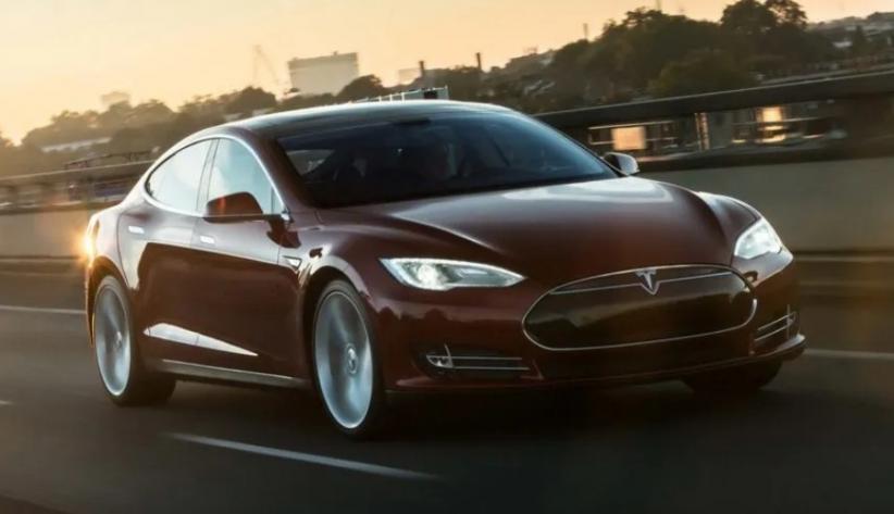 Badan Keselamatan Lalu Lintas Selidiki 115.000 Tesla terkait Masalah Suspensi Depan