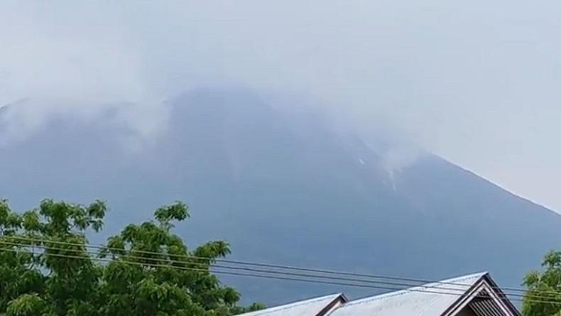 Senin Pagi, Gunung Ile Lewotolok Kembali Erupsi
