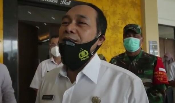 Nekat Berkerumun Malam Tahun Baru di Cimahi, Siap-Siap Dibubarkan Petugas