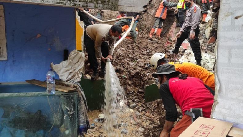 Kondisi Medan Sulit dan Rawan Longsor, Pencarian Korban Jayagiri Dilakukan Manual
