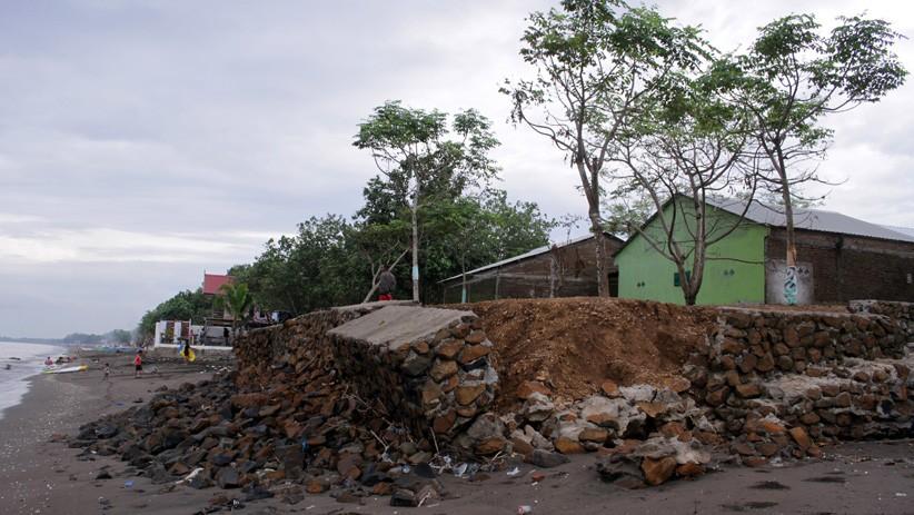 Tim Masih Mendata, BPBD Morotai Belum Bisa Pastikan Jumlah Rumah Rusak akibat Abrasi Pantai
