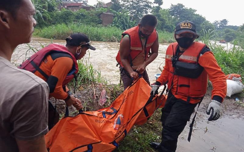Bocah 12 Tahun yang Terseret Air Bandang di Sungai Grenjeng Cirebon Ditemukan Meninggal