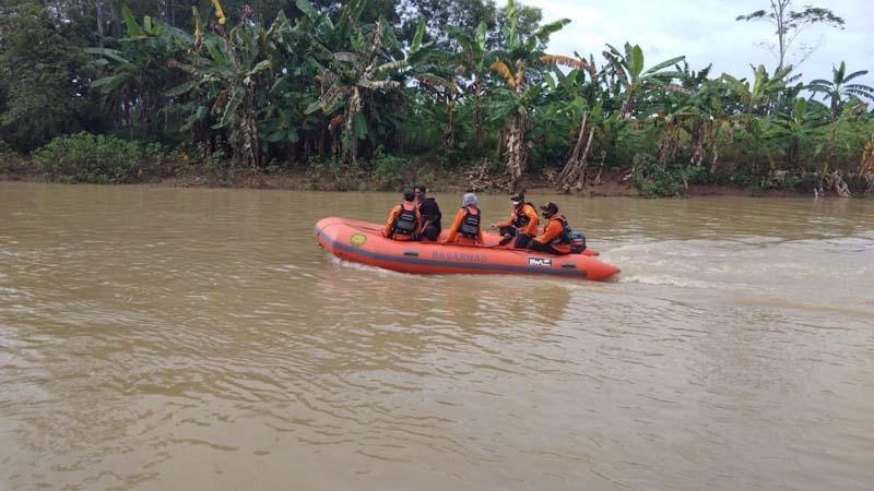 Sempat Teriak Minta Tolong, Warga Banyumas Ini Hilang Terseret Arus Sungai Kaligatel