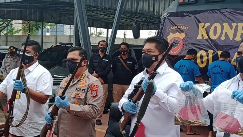Amankan Jabar Jelang Nataru, Polisi Tangkap 6 Pria dan Sita 5 Senapan Sniper di Ciamis