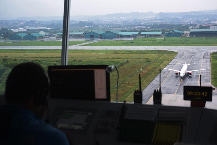 Awan Cumulonimbus Bahayakan Penerbangan di Sejumlah Wilayah, Termasuk Jateng
