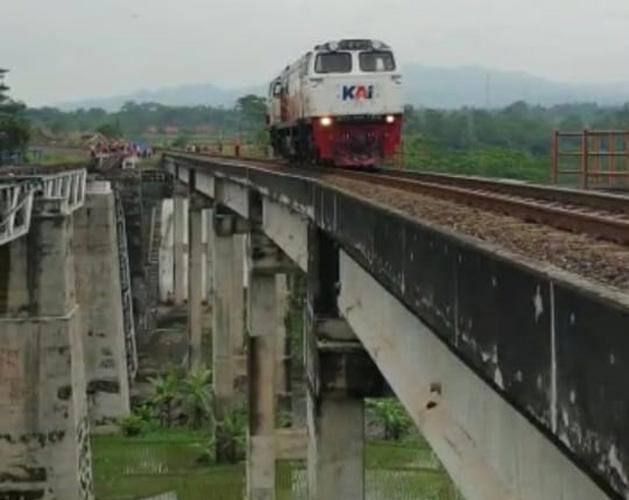 Ini Pengalihan Rute Perjalanan KA Dampak Amblesnya Pilar Jembatan di Brebes