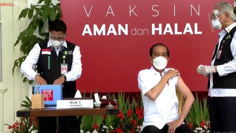 Dokter Kepresidenan Mengaku Gemetar Sebelum Suntikkan Vaksin Covid-19 ke Jokowi
