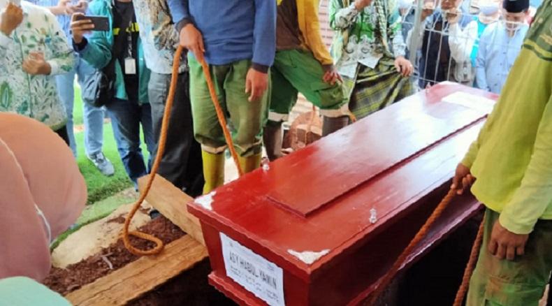 Korban Sriwijaya Air SJ-182 Asy Habul Yamin Dimakamkan di TPU Tanah Kusir