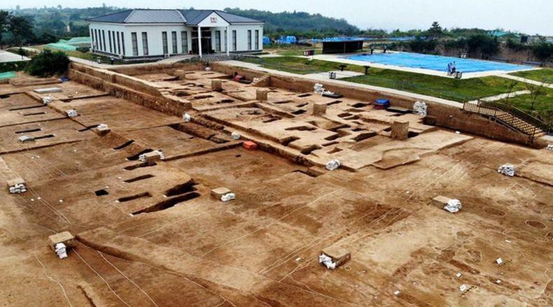 China Temukan Istana Berusia 5.300 Tahun
