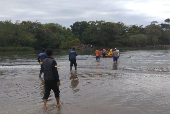 Hilang Terbawa Arus, Guru CPNS Ditemukan Meninggal di Pantai Cijeruk Garut