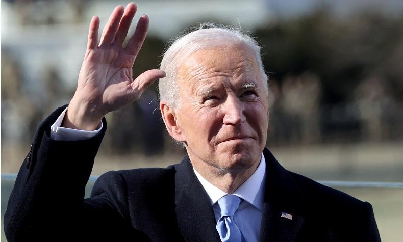 Hari Minggu Pertama Joe Biden Jadi Presiden: Kunjungi Toko Roti, Sapa Warga Sebelum ke Gereja