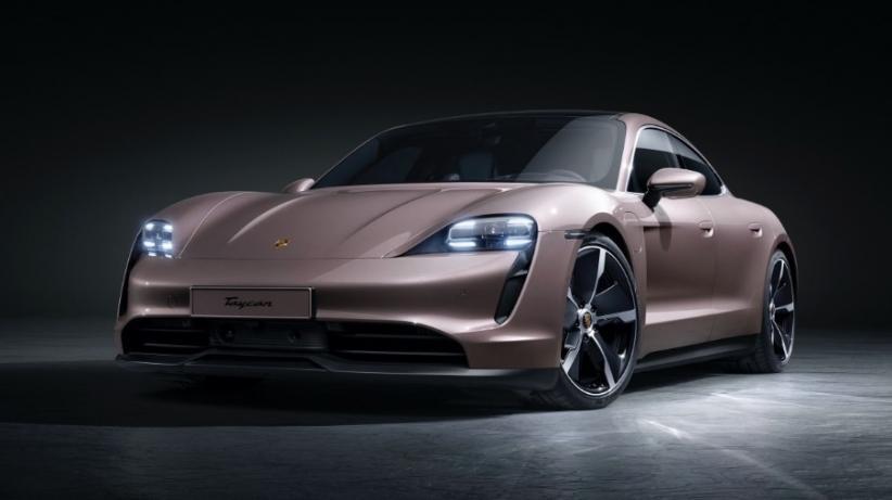 Lebih Kencang dari Tesla, Porcshe Taycan Didapuk Mobil Listrik Tercepat di Dunia