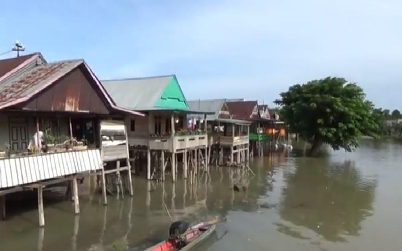 Sudah 4 Hari, Rumah Warga di Wajo Masih Tergenang Banjir