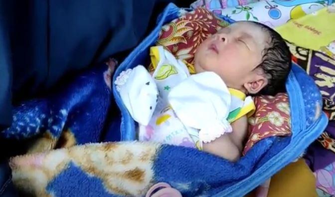 Lahir di Tengah Banjir, Bayi di Banjar Diberi Nama Siti Nur Banjiriah