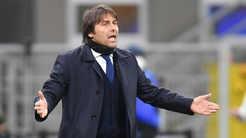 Inter Kalahkan Milan karena Ibrahimovic Kartu Merah? Ini Jawaban Conte