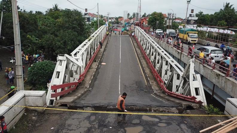 Penanganan Darurat, Jembatan Rembun yang Amblas Diganti Permanen Rangka Baja