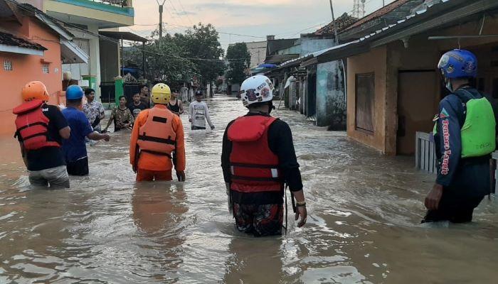 Banjir Subang dan Indramayu, Tim SAR Gabungan Evakuasi 6 Korban Meninggal