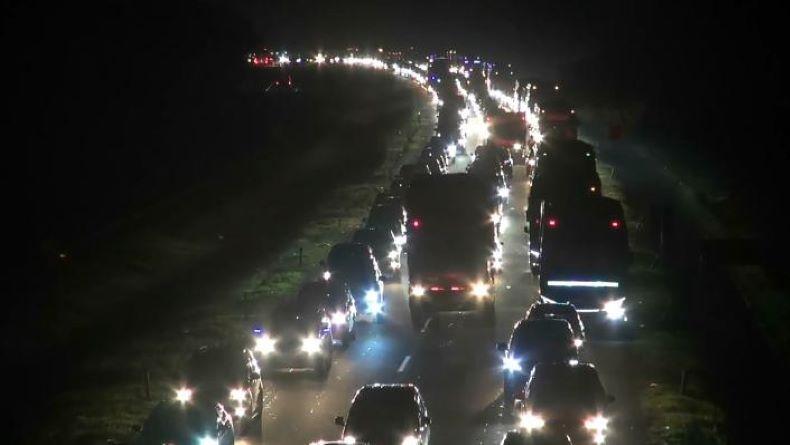 Gegara Penyempitan Jalur di Km 122 Tol Cipali, Kendaraan Antre hingga 5 Kilometer