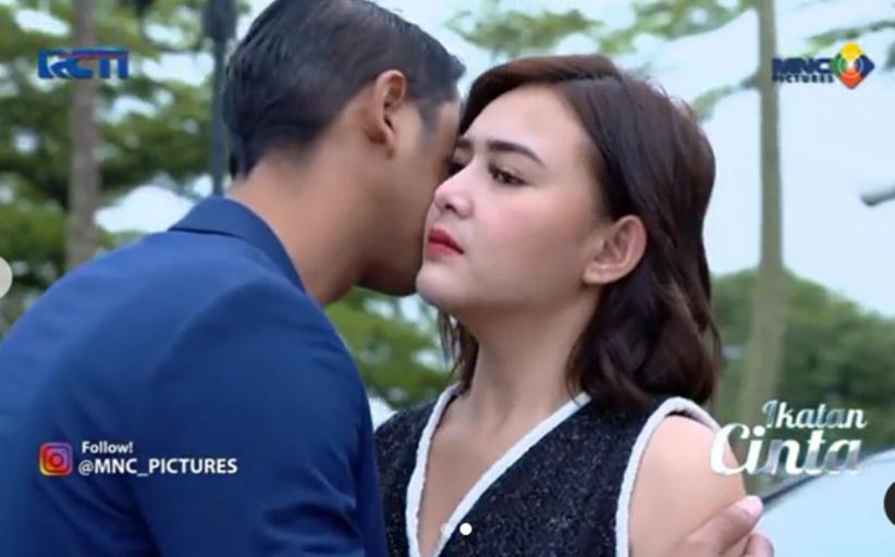 Adegan Arya Saloka Cium Amanda Manopo di Ikatan Cinta Bikin Netizen Geger: Baper Tingkat Dewa Dewi