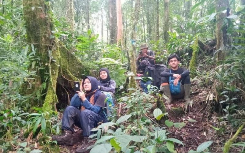 Tiga Mahasiswi UIN Jambi yang Dilaporkan Hilang di Gunung Mesurai Ditemukan Selamat