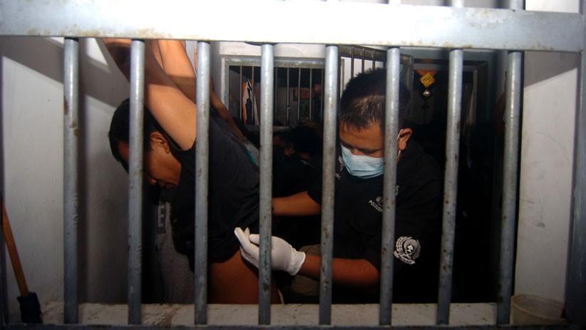 Sidak di Rutan Padang, Petugas Temukan Ponsel hingga Senjata Tajam
