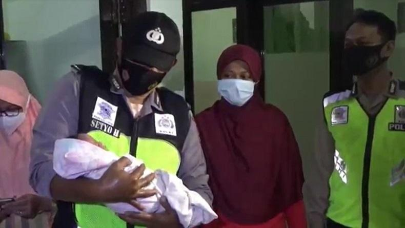 Miris, Bayi Laki-Laki Ditemukan di Musala Ponorogo dalam Kondisi Kedinginan dan Tali Pusar Busuk