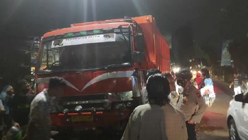 Truk Tabrak 5 Kendaraan di Pematangsiantar, 3 Korban Dievakuasi di Bawah Kolong