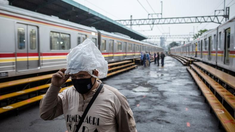 Jalur KA di Kabupaten Bekasi Banjir, Kereta Tak Bisa Melintas