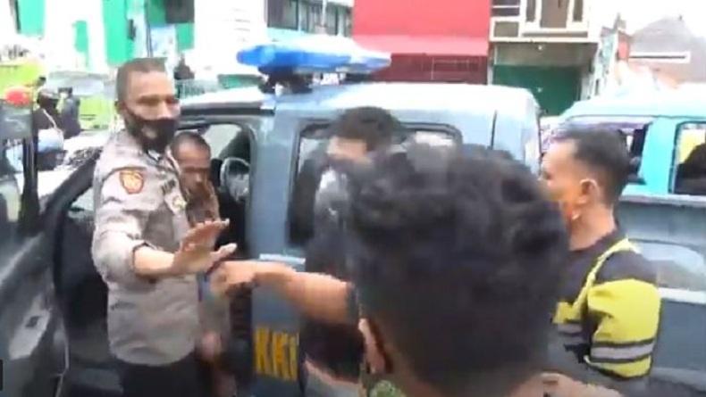 Jambret HP Driver Ojol di Makassar, Pelaku Nyaris Tewas Diamuk Massa