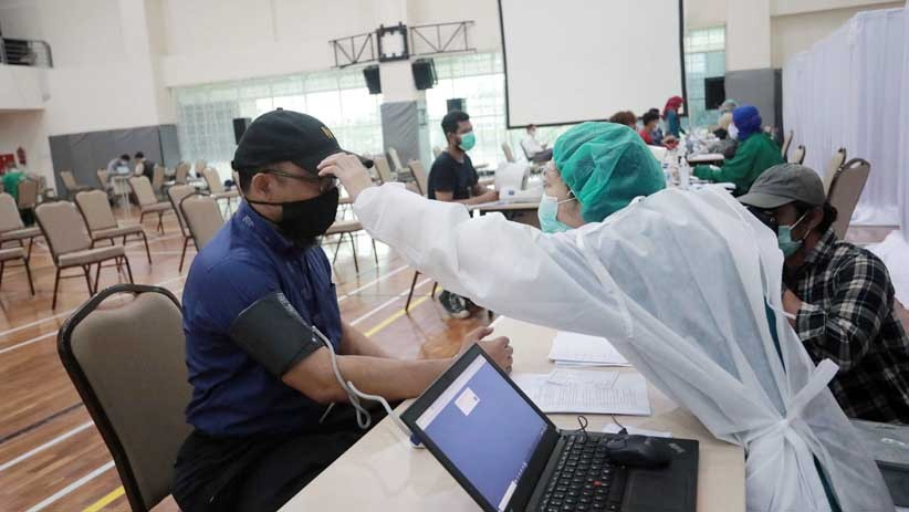 Penyidik Senior KPK Novel Baswedan Disuntik Vaksin Covid-19 - Bagian 3