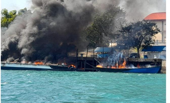 Gegara Puntung Rokok, 4 Kapal Sitaan Bea Cukai Batam Terbakar