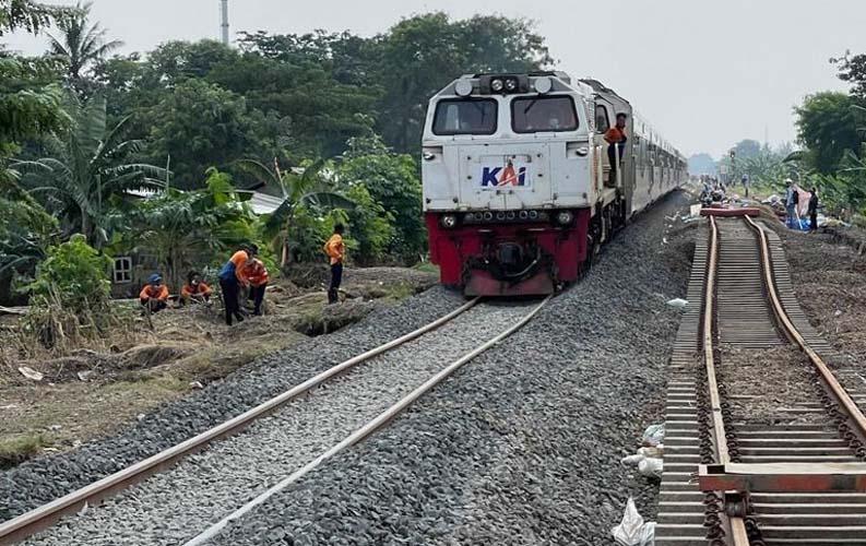 Jalur Sudah Aman, Semua Kereta Api Menuju Jakarta Sudah Dapat Melintas