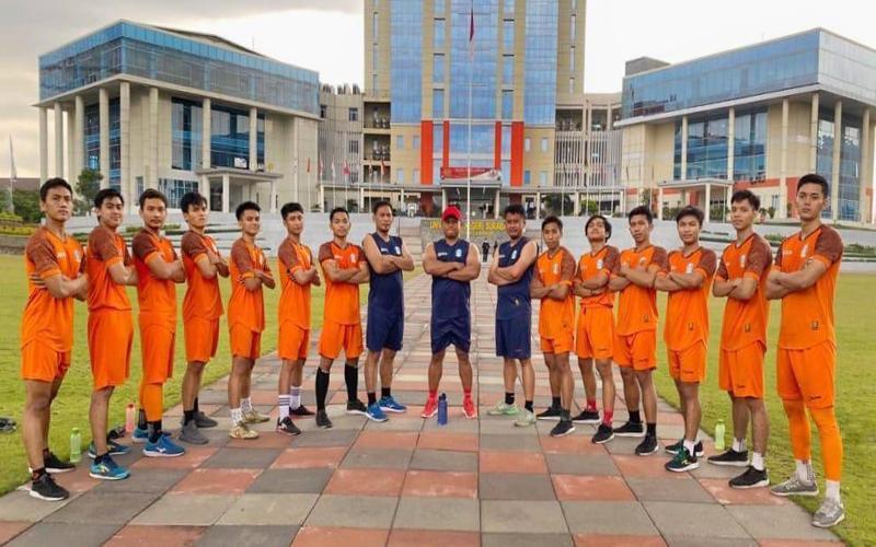 Jelang PON Papua 2021, Tim Futsal Jatim Sparing dengan Tim Sepak Bola
