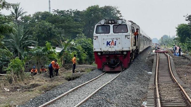 Perbaikan Selesai, Jalur Kereta Api Bandung-Jakarta Mulai Dibuka Sore Ini