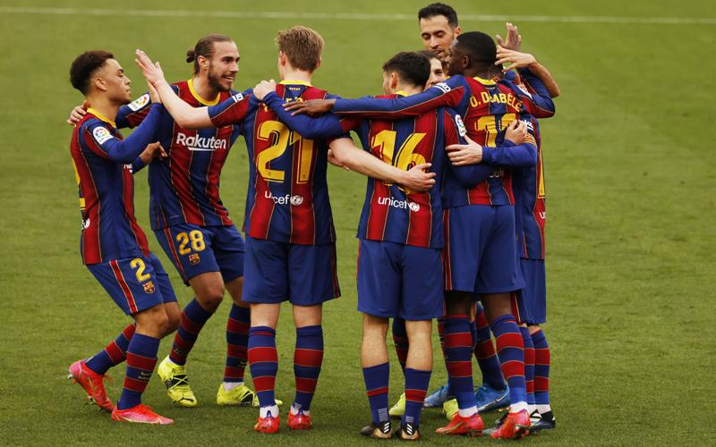 Kalahkan Sevilla, Barcelona Gusur Real Madrid