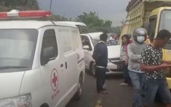 Kecelakaan Maut di Bungo, Polisi Buru Sopir Wuling dan Truk yang Kabur