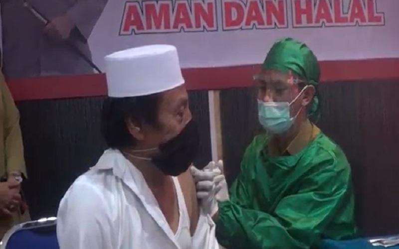 Tokoh Lintas Agama, Polisi hingga Awak Media di Lombok Barat Disuntik Vaksin