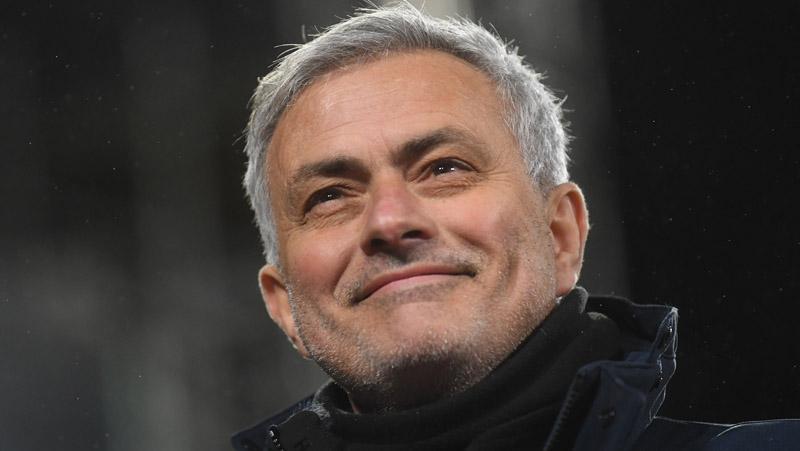 Dipecat 3 Klub Top Eropa, Jose Mourinho Kantongi Rp1,8 Triliun