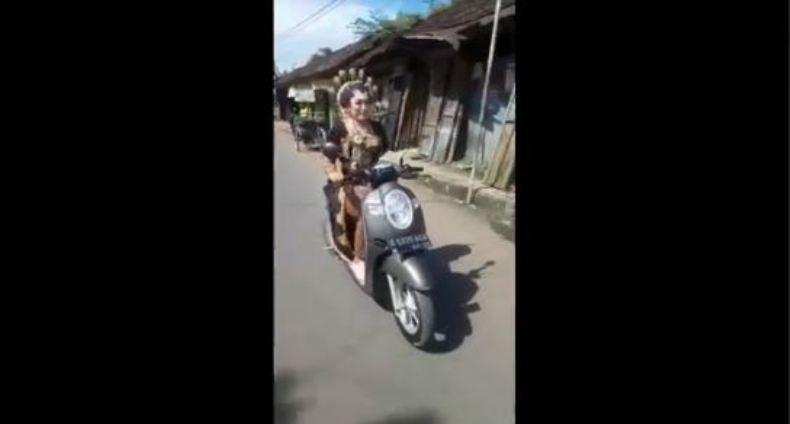 Viral Video Pengantin Perempuan Naik Motor di Pekalongan, Begini Faktanya