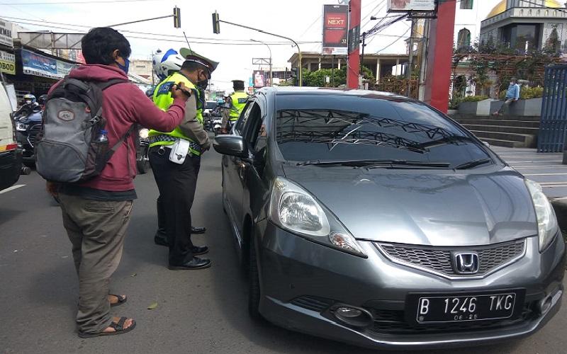 Menolak Dites Rapid, Wisatawan asal Jakarta ke Lembang Diputar Balik