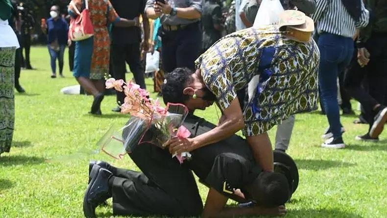 Mengharukan, 1.000 Pemuda Asli Papua Ini Menangis setelah Resmi Berpangkat Serda TNI