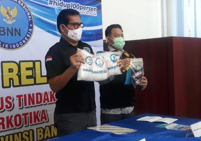 Kurir Narkoba Selundupkan Sabu di Celana Dalam Ditangkap BNNP Banten